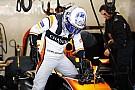 Formule 1 Honda pas fiable, Alonso a passé la matinée à jouer au tennis!