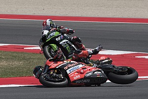 World Superbike Breaking news Davies suffers fracture in Rea collision