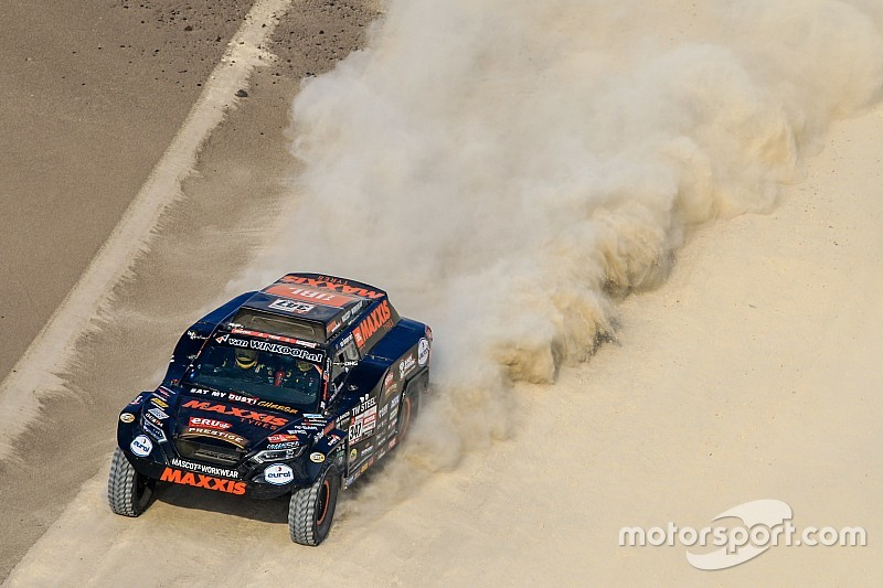 Team van broers Coronel beroofd in Dakar Rally