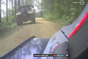 Блукаючий трактор завадив Міккельсену на Ралі Австралія