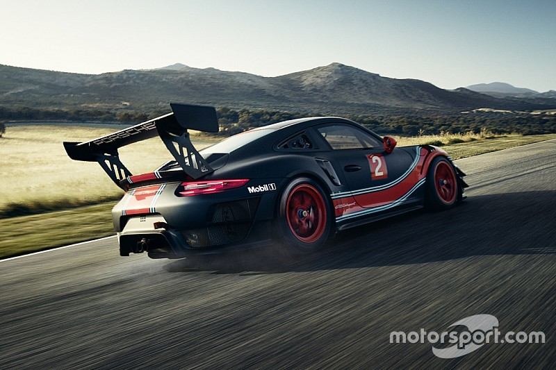 In Beeld Porsche Presenteert Nieuwe Porsche 911 Gt2 Rs Clubsport