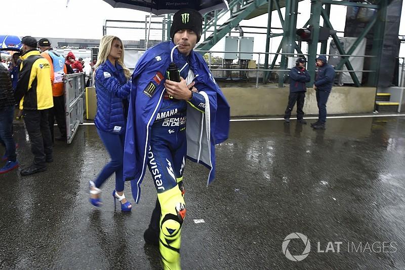 A pálya felszíne miatt maradt el a Brit Nagydíj a MotoGP-ben