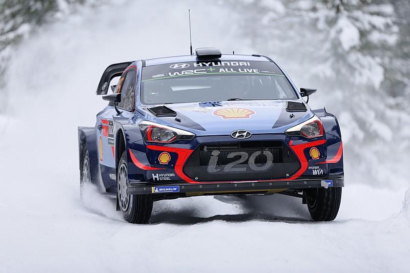 WRC Rallye Schweden 2018: Dreifachführung für Hyundai