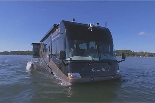Le camping-car à 1 million d'euros qui flotte sur l'eau