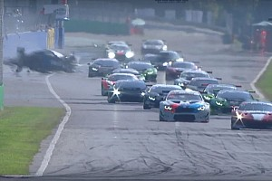 Bruttissimo incidente alla fine di Gara 2 a Monza: Hellmeister sbatte e si frattura entrambe le gambe