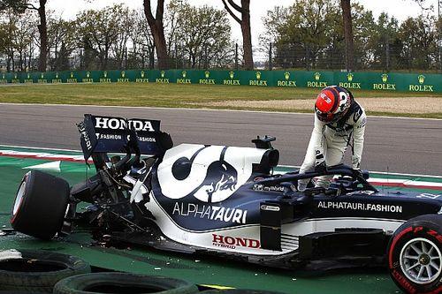 """Tsunoda verontschuldigt zich na crash: """"Een domme fout"""""""