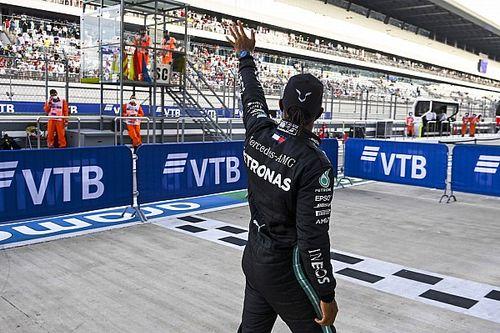 Russian GP: Hamilton beats Verstappen to pole by 0.5s