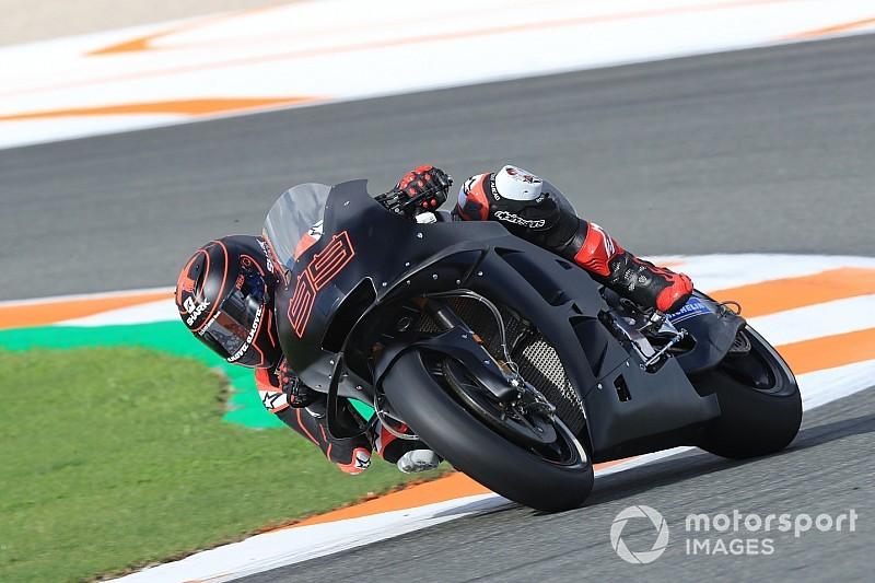 Lorenzo lidera la mañana en el arranque del test de Jerez