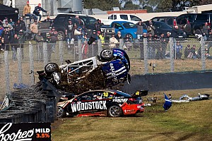 Fotogallery: la sequenza del terribile incidente a Sandown
