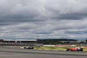 Videóelemzésen a Ferrari és a Mercedes autóinak eltérései!