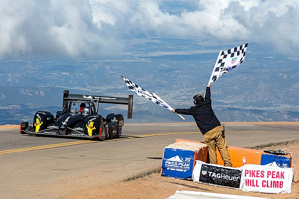 Volkswagen пригласила Дюма побить «электрический» рекорд на Пайкс Пик