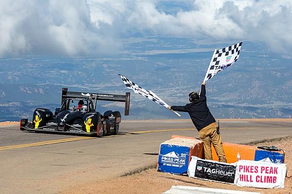 Romain Dumas üçüncü Pikes Peak zaferini kazandı