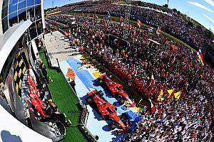 Formel 1 Feature Die Geschichte zum Bild: Vettel genießt den F1-Triumph
