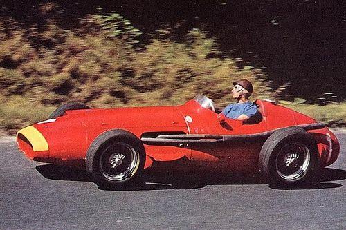 F1 tarihinde bugün: Fangio kariyerinin son şampiyonluğunu alıyor