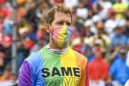Hamilton büszke Vettel futam előtti pólós akciójára