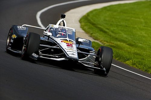 Newgarden pips Sato to lead second day of Indy 500 testing