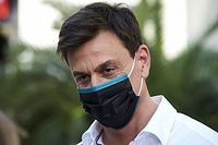 """Wolff afirma que conversas para comandar a F1 nunca avançaram: """"A Ferrari não teria aceitado isso"""""""