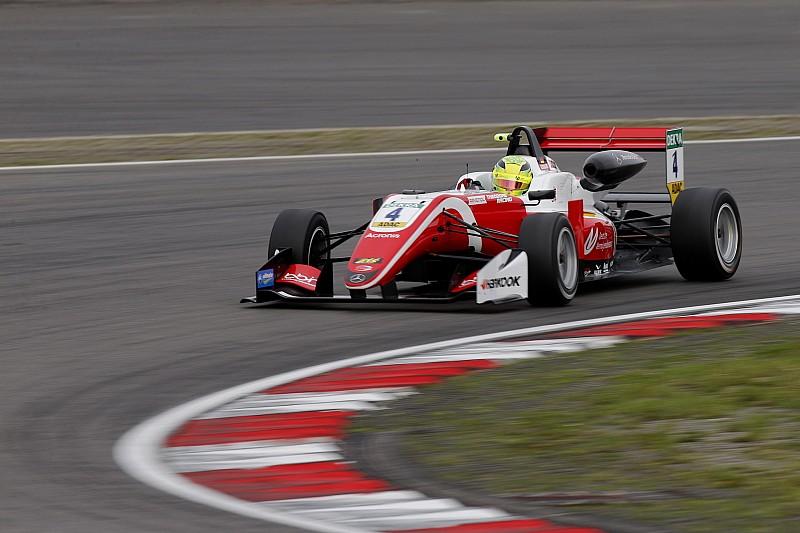 Євро Ф3 на Ред Булл Ринзі: Шумахер виграв вільну практику