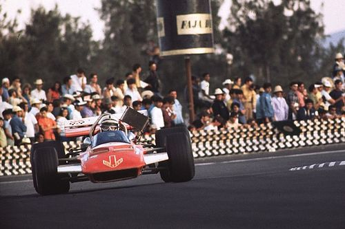 John Surtees, el único campeón de la historia a dos y cuatro ruedas