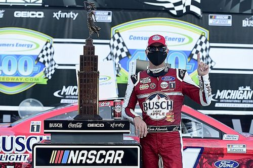 Harvick completes a sweep of Michigan Cup Series doubleheader