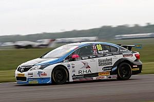 BTCC Qualifying report Thruxton BTCC: Ingram breaks lap record to clinch pole