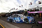 Jimmie Johnson qualifying shunt caused by dislodged steering wheel