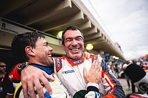 Constantino Jr vence e assume liderança da Porsche Cup