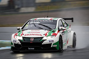 WTCC Qualifying report Motegi WTCC: Michelisz beats Catsburg to take pole