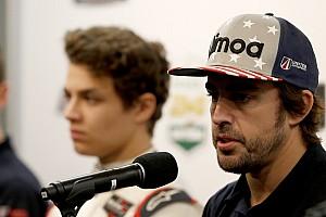نوريس يعترف بأنّ مستقبله في الفورمولا واحد يعتمد على ألونسو