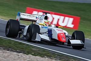 Формула V8 3.5 Отчет о гонке Палоу выиграл гонку в своем дебютном этапе Формулы V8 3.5