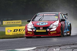 BTCC Breaking news Brett Smith takes over injured father Jeff's BTCC seat