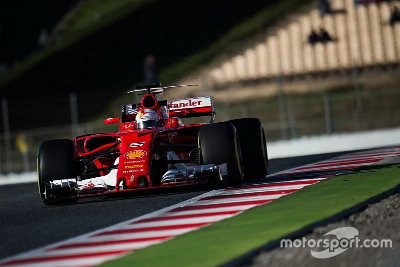 """Hamilton: """"Ferrari es favorito en este momento"""""""