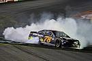 Труэкс победил в гонке NASCAR в Спарте
