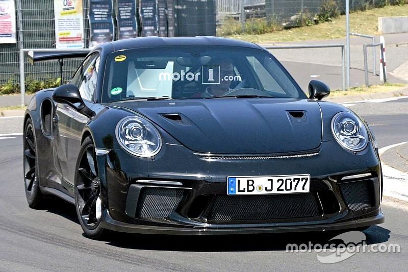 Новий Porsche 911 GT3 згорів вщент на Нюрбургринзі