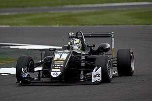 EUROF3 Gara Eriksson beffa Ilott al via e si prende gara 2 a Silverstone