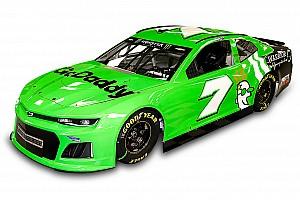 Monster Energy NASCAR Cup Breaking news Danica Patrick pamerkan paint scheme Daytona 500 terakhirnya