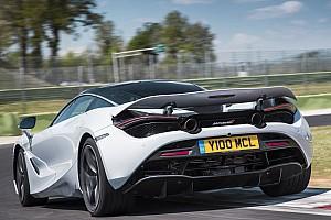 Prodotto Test La McLaren 720S si presenta con gli scarichi alti!