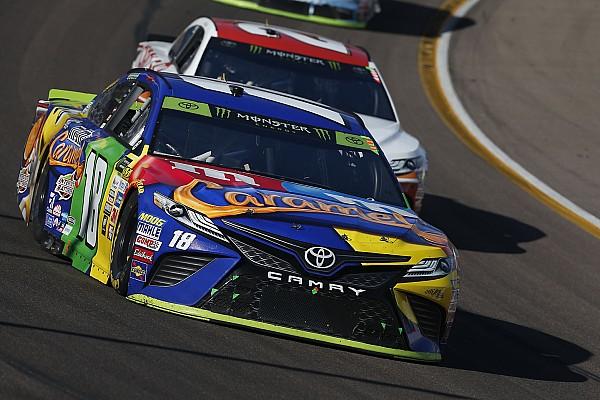 NASCAR Cup Gara Kenseth trionfa a Phoenix. Keselowski ai playoff per il titolo