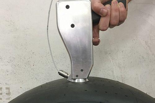 A titokzatos pisztoly, ami segíthet az F1-es csapatoknak megérteni a 2021-es gumikat