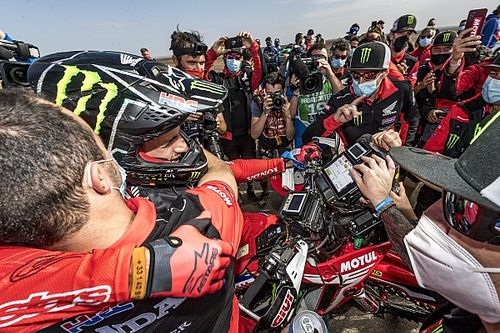 Fotos: la celebración de Peterhansel y Benavides y más imágenes de la última etapa del Dakar 2021