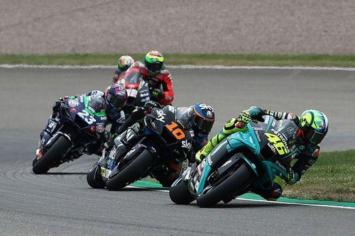 Rossi et Morbidelli impuissants en fond de peloton