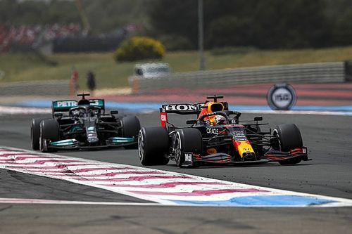 """F1 - Hamilton projeta vida difícil na Áustria: """"Com a velocidade de reta da Red Bull..."""""""