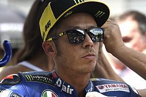 Rossi Hayden családjának ajándékozta Mugellóban használt sisakját