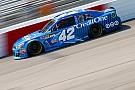 NASCAR XFINITY Larson vence en Richmond en la Xfinity por tiempo
