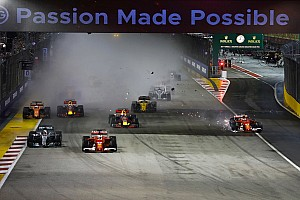 新加坡大奖赛:法拉利双雄雨中起步相撞,汉密尔顿神奇领跑