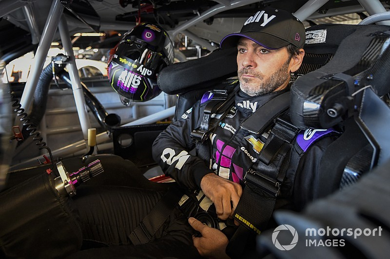 Jimmie Johnson tops Friday's NASCAR Cup practice