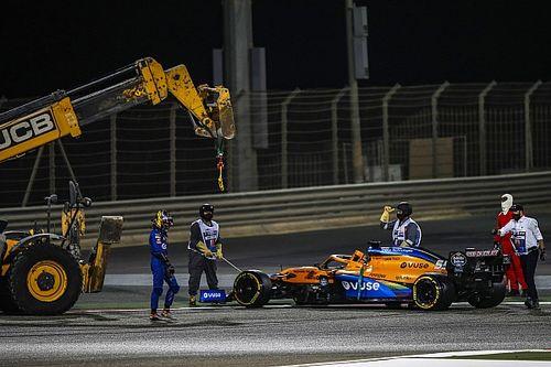 """""""Com muita raiva"""", Sainz diz que falha do carro limita opções para corrida no Bahrein"""