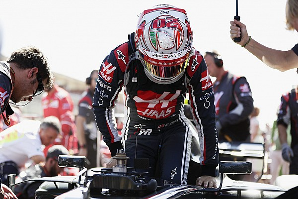 Магнуссен пошел к судьям за объяснениями после финиша Гран При Италии