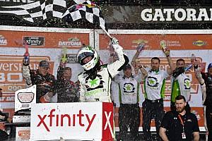 NASCAR XFINITY Reporte de la carrera Reddick gana primer carrera de la temporada con final de foto