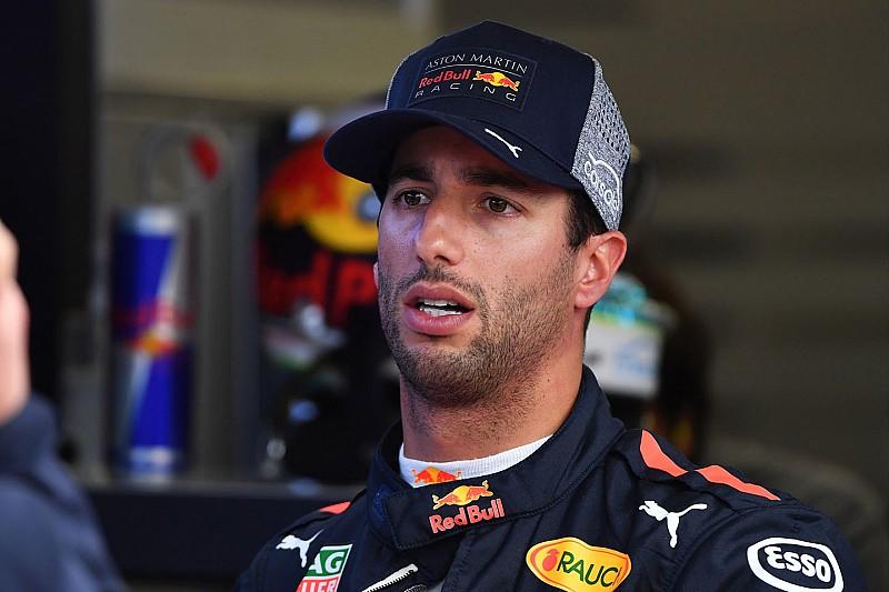 Ricciardo boccia la strategia Red Bull: